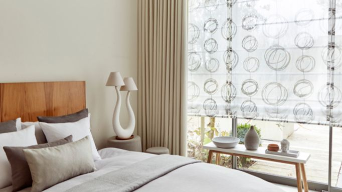 Swirl Dusk-voile-roman-blind-with-Tetbury Ivory-curtains