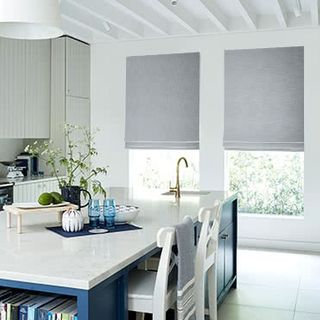 Roman-Blind_Allure_Silver_Roomset