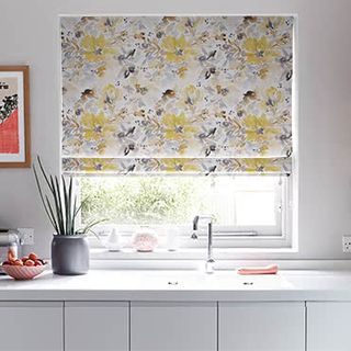 Roman_Blind_Caprice_Sunrise_Roomset.