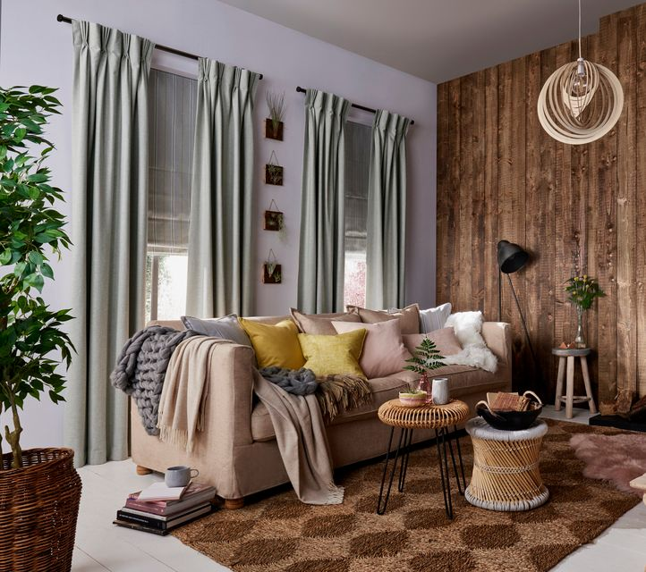Get A Modern Rustic Look With Curtains And Roman Blinds