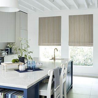 Roman_Blind_Wilcox_Natural