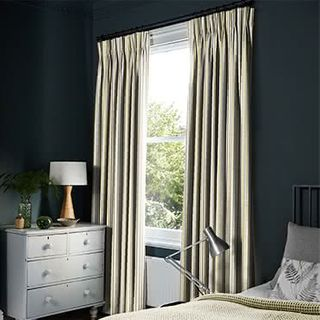 Curtains_Roomset_City-chartreuse