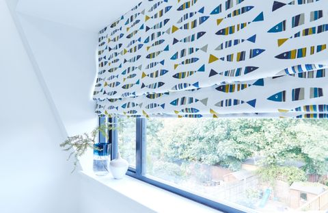 Little-fish-marine-blue-Roman-blind