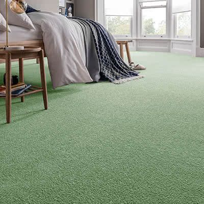Green-carpet-bedroom-spectrum-emerald