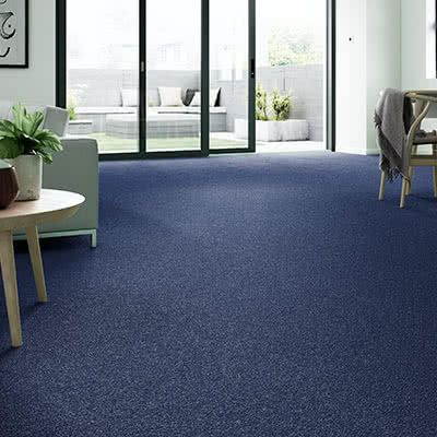 Blue-carpet-dining-room-mayfair-cornflower