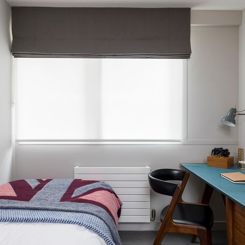 George Clarke Tetbury Charcoal Roman blind and Acacia Ice Roller blind