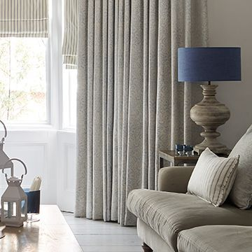 Grey curtains in the lounge - Modello pastel