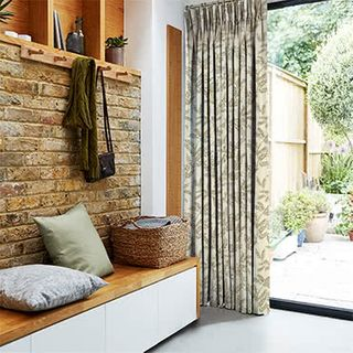 Curtains_Roomset_Delizia-taupe