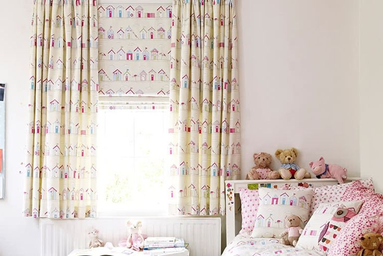 Patterened-Curtains-Bedroom-BEACH_HUT