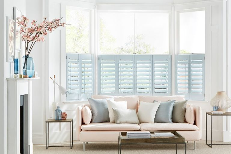 cafe-style-bay-windows-shutters