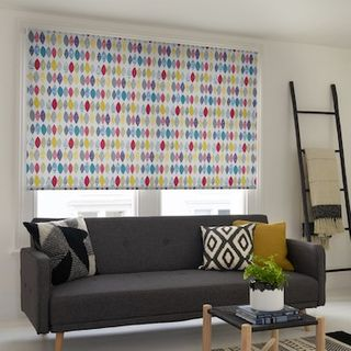 Droplets rainbow roller blind