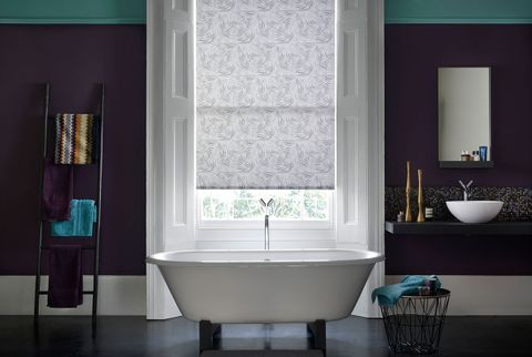 Patterned Roller Blind_Hothouse Black_Bathroom
