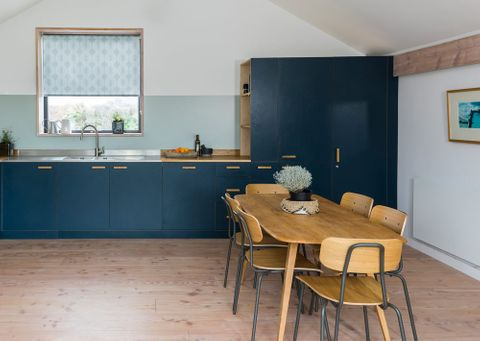 Brindle-Grey-roller-blind-kitchen-_3_