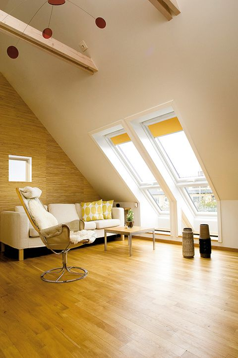 Yellow-Velux_Living-Room_4563-Curry