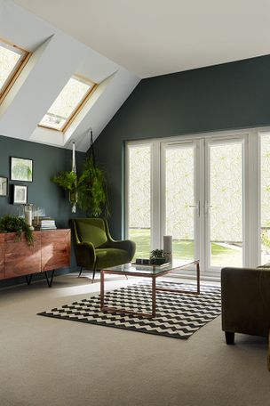 Green-Skylight_Living-Room_Greenery-Tropical