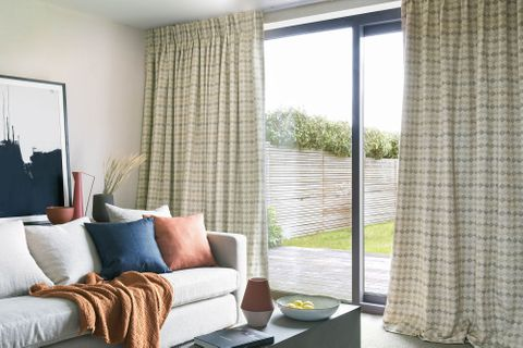 Patterned Curtains Made To Measure In The Uk Hillarys