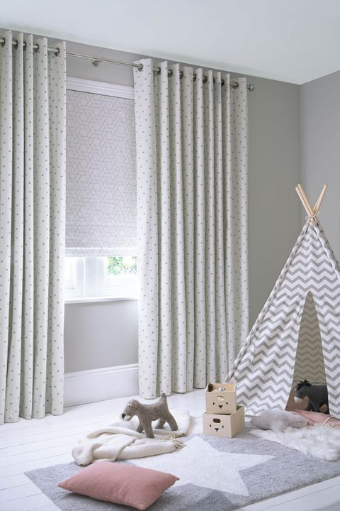 Polaris Ivory curtains and Jive Mallow Romans in a children's bedroom