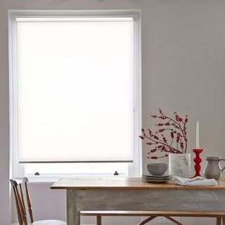 Roller Blind_Colorado White_Roomset