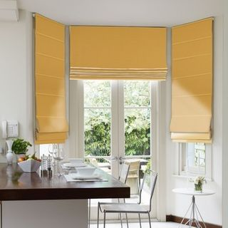 Roman Blind_Harlow Charteuse_Roomset