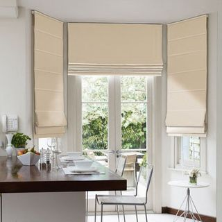 Roman Blind_Harlow Cream_Roomset