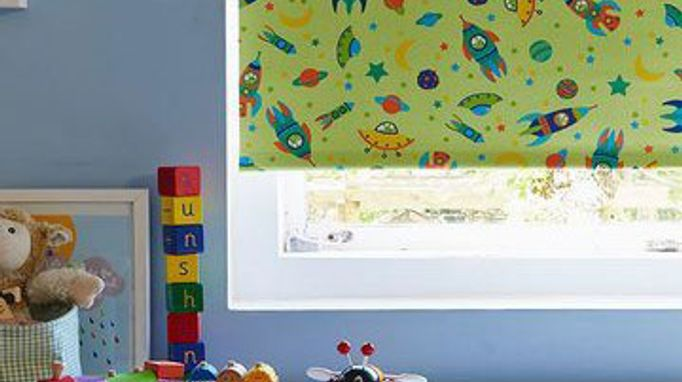 Roller Blind_To The Moon Bright Green_Childrens Bedroom