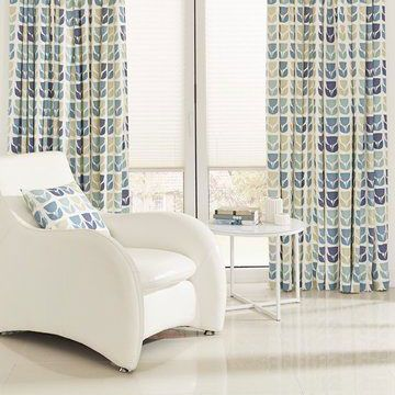 Curtains_Rayna Aqua and Portobello White Pleated Blind_Living Room