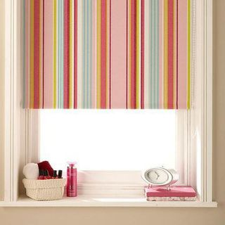 Roller Blind_Circus Hot Pink_Bedroom