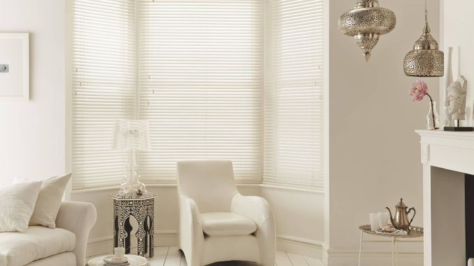 Look at the reasons we give when choosing whether to have faux wood or real wood blinds in your home.