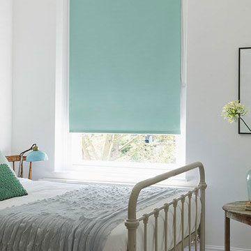 Blackout blinds hillarys for Eau de nil bedroom ideas