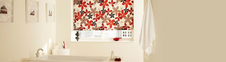 Tahiti Chilli-Roller Blind-Bathroom