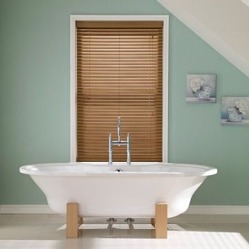 Oakwood-Faux-wooden-blind-Bathroom