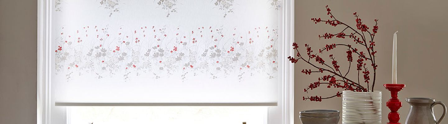 Grey-Floral-Roller-blind-Dining-Room-Meadow-Way-Poppy