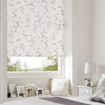 Kinsey-Tear-Drop-Bijoux-Roller-Blind-Bedroom