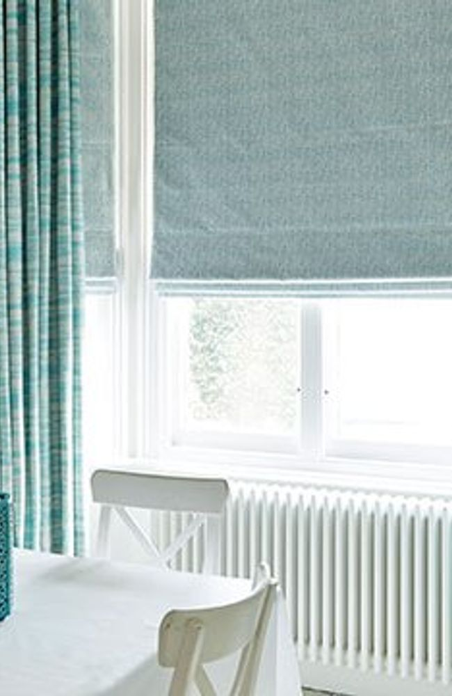Roman-Blind-Curtains-Riviera -Turqouise-Daze-Peacock-Dining-room
