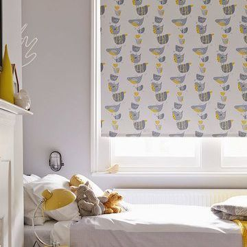 Bird Patterned Roller Blind In Childrens Bedroom Dickie Birds Grey