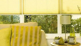 Pleated Blind_Malbec Primrose_Conservatory