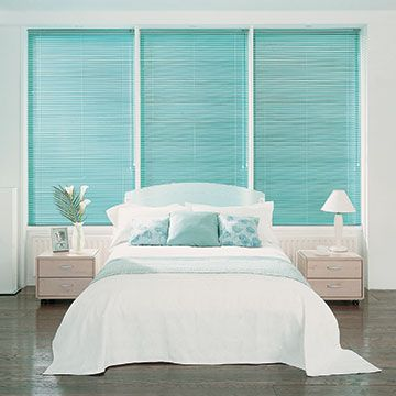 Cool-Aqua-Venetian-Blind-Bedroom