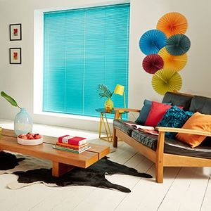 Electric-Aqua-Venetian-Blind-Living-Room