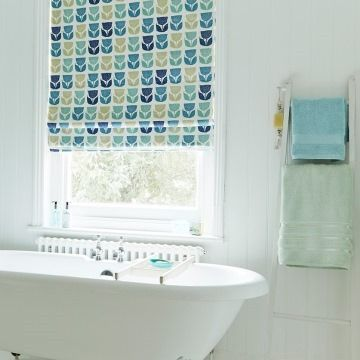 pattern-blackout-roman-blind-bathroom-rayna-aqua