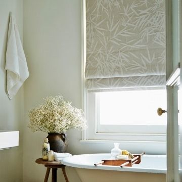 Roman Blind_Bamboo Linen_Bathroom