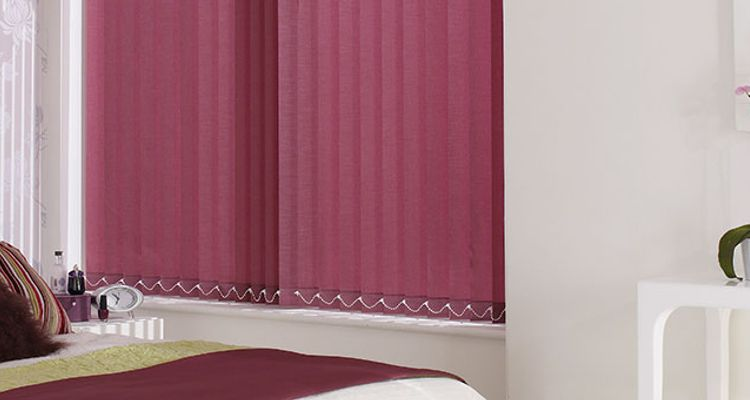purple-verticals-bedroom-Tresco-Plum