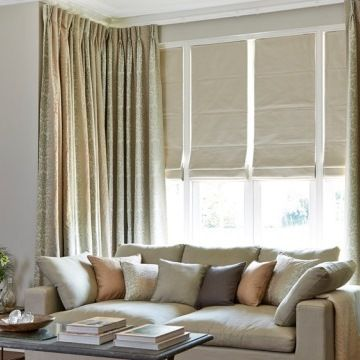 Roman Blind_Rodez Linen_with_Baroque Natural_Curtains_Living Room