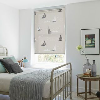Roller Blind_Boats Natural_Roomset