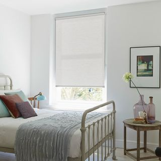 Roller Blind_Cortina Grey_Roomset