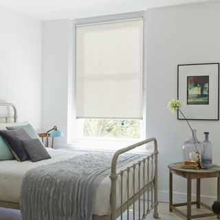 Roller Blind_Iowa Linen_Roomset