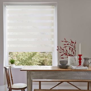 Roller Blind_Lustre White_Roomset