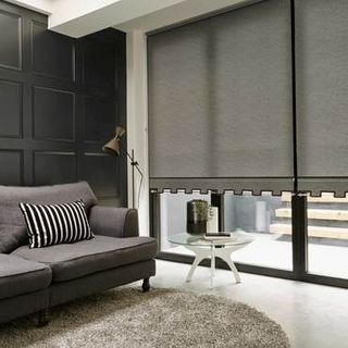 Roller Blind_Ravenna Black_Roomset
