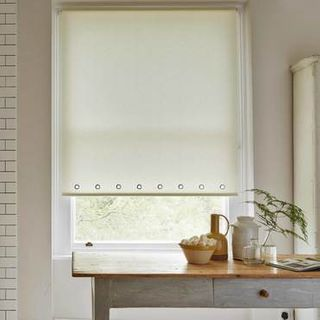 Roller Blind_Sherbourne Lemon_Roomset