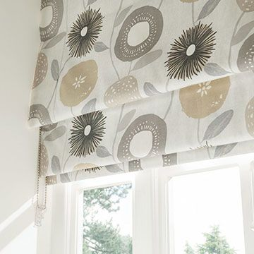 Freyja Flint_Kitchen_Roman Blind
