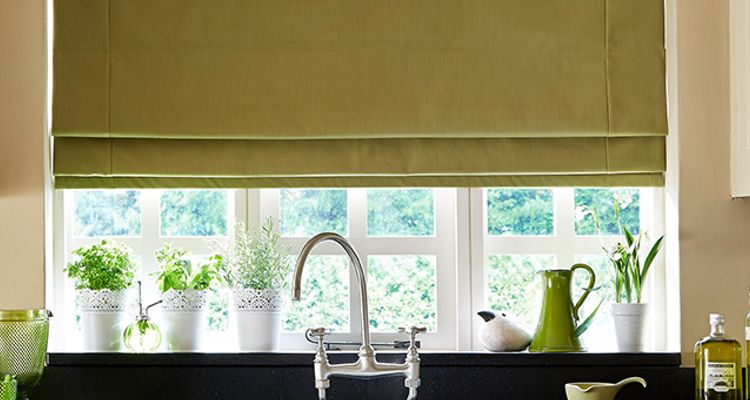 green roman blind - kitchen - tetbury moss